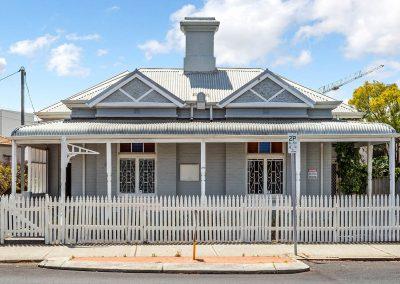 Brisbane Street Frontage